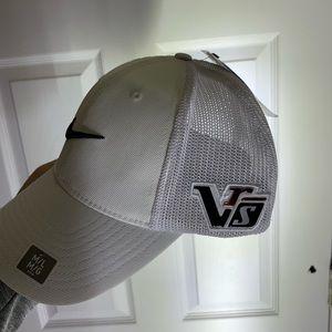 New Nike Golf Hat